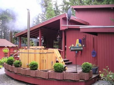 Verwarmd houten buitenbad