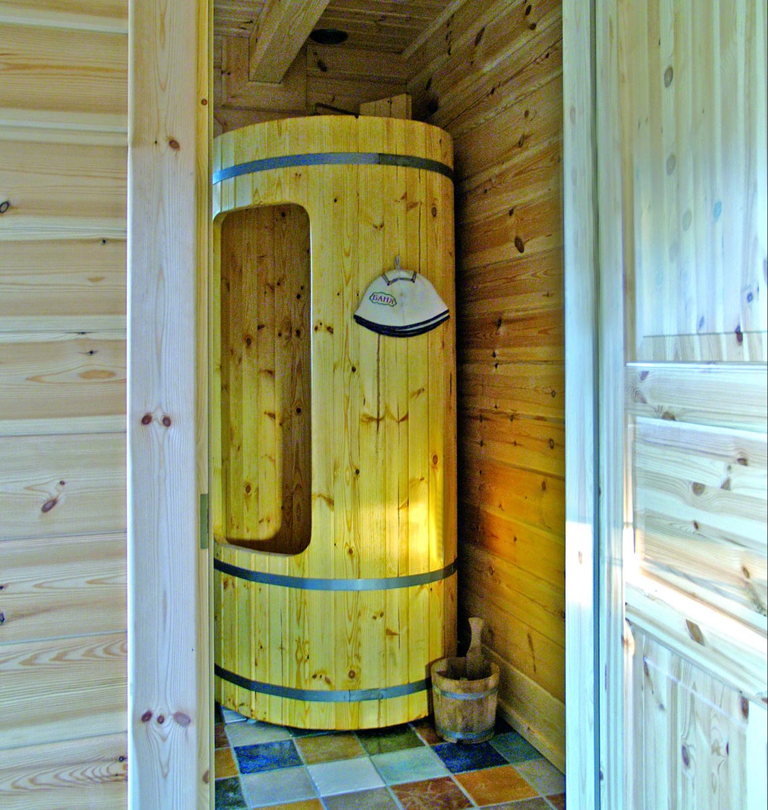 Achtergrondfoto houten douchecabine