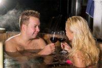 romantisch genieten in een bad van hout