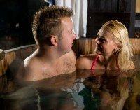 Avondje genieten in een bad de tuin